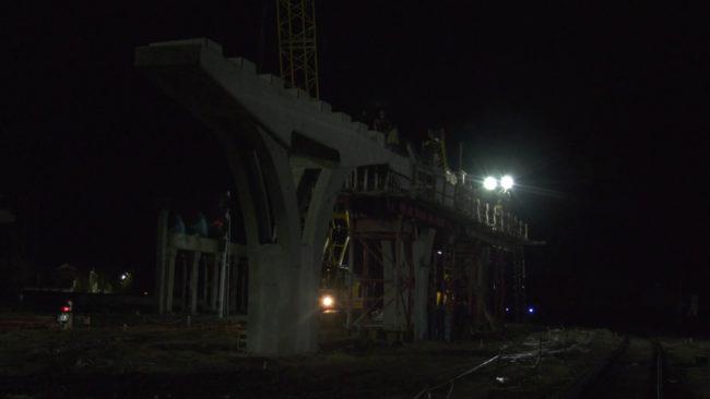 stroitelstvo polockogo puteprovoda 650x366 - Строительство Полоцкого путепровода не останавливается даже ночью (видео)