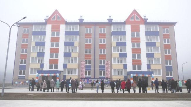 novyj dom 650x366 - Дом для медиков построили под Оршей (видео)