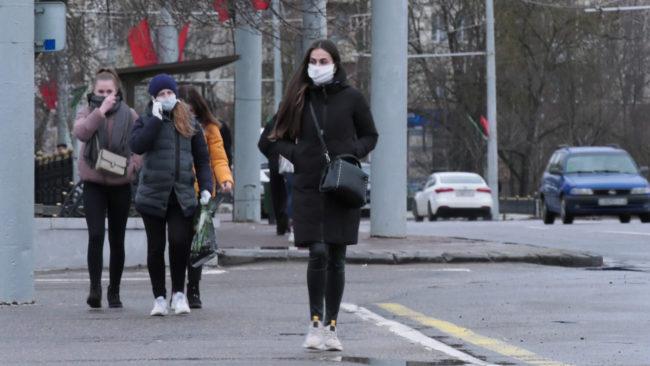 maski 650x366 - Вы знаете, как правильно носить маски? Рассказываем и показываем. (видео)