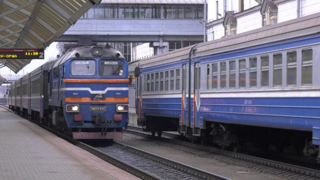 poezda 650x366 - БелЖД из-за COVID-19 вводит новую схему рассадки пассажиров (видео)