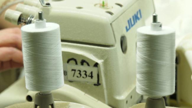 protivochumnye kostjumy 650x366 - В Витебске начали шить противовирусные костюмы (видео)