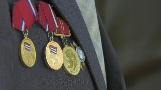 parad mchs 650x366 - Праздничный парад спасателей для ветеранов (видео)