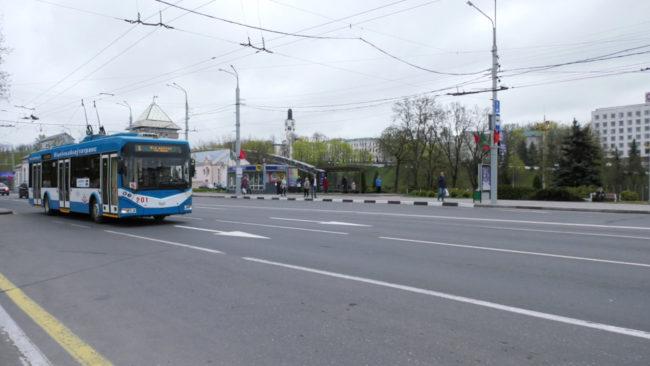 trollejbus 650x366 - Стихи о войне в трамваях и троллейбусах (видео)