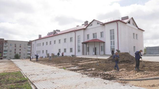 shkola ushachi 650x366 - Детская школа искусств в Ушачах переедет в новое здание (видео)
