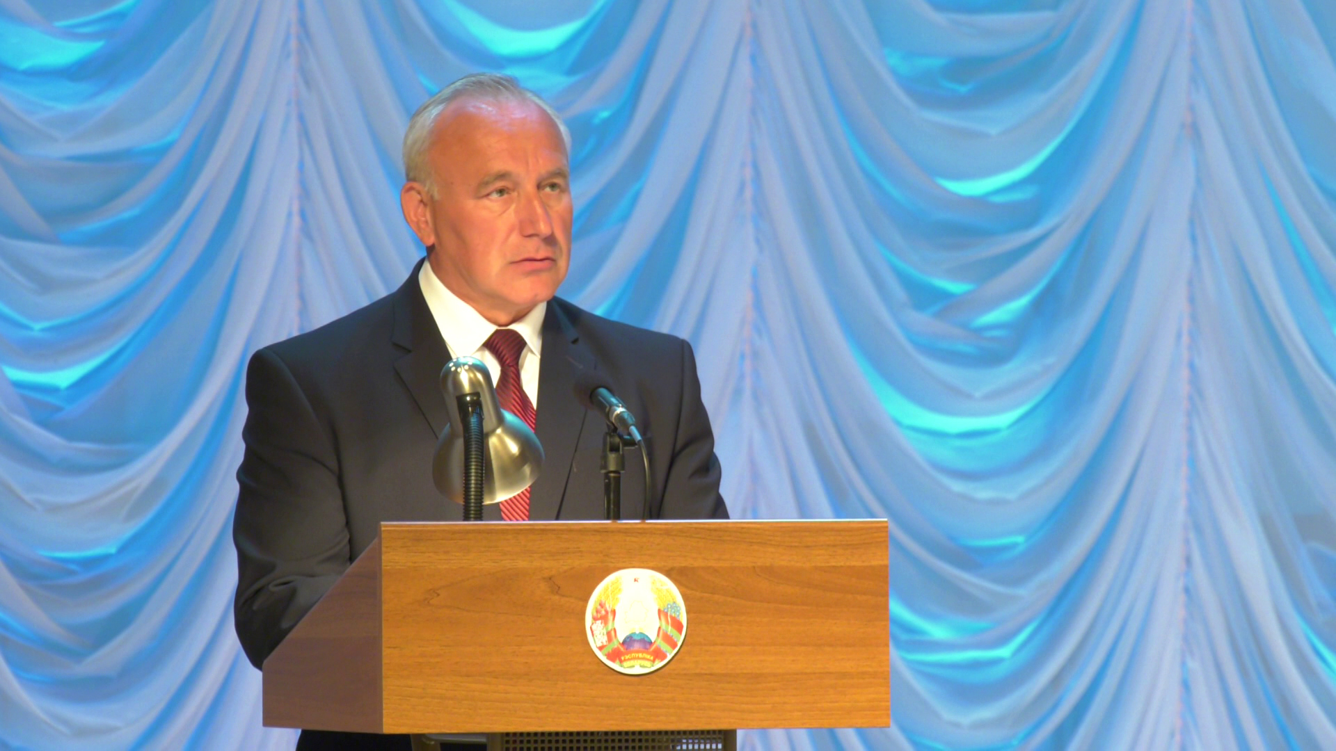 gubernator mediki - В Витебске наградили медиков за работу во время пандемии (видео)