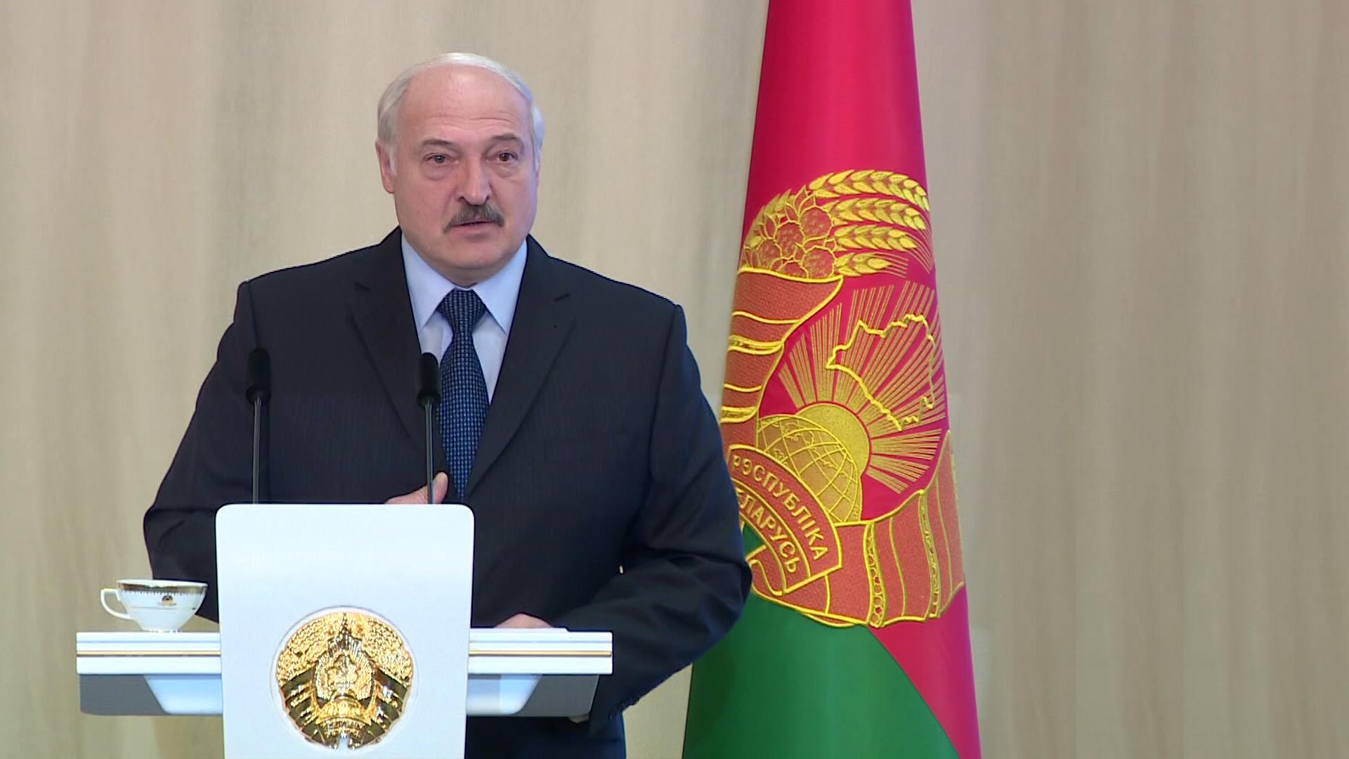 lukashenko - Александр Лукашенко встретился с активом области в Витебске (видео)