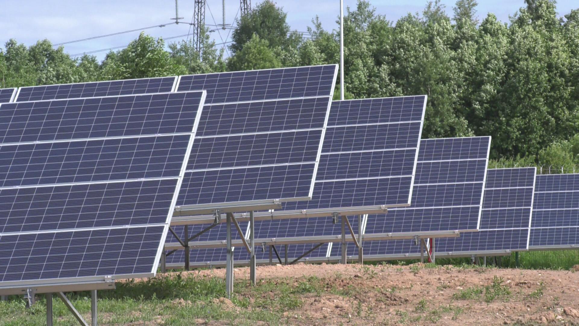 solnechnye batarei - Гелиоэнергетическую установку запустили в Сенненском районе (видео)