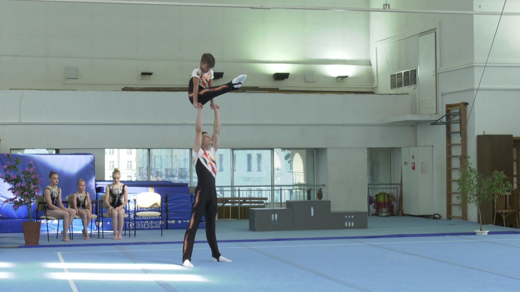 akrobatika - Чемпионат Беларуси по акробатике прошёл в Витебске (видео)