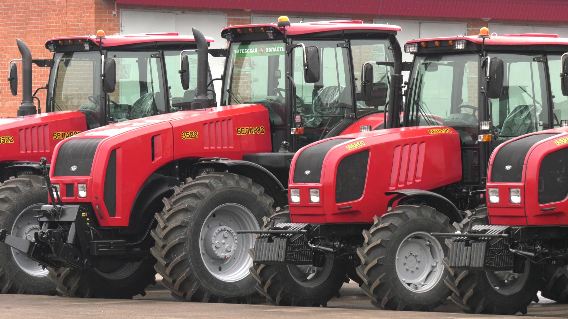traktory - Шерстнёв проверил готовность к посевной в Витебском районе (видео)