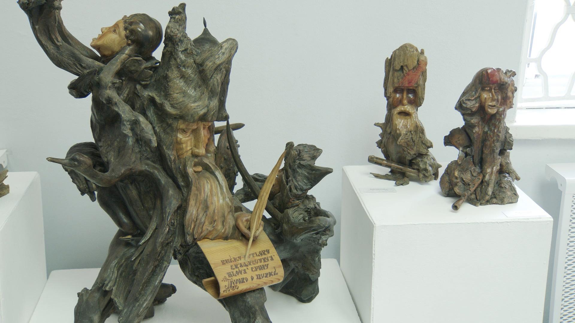 vystavka - Выставка деревянной скульптуры в витебской Ратуше (видео)
