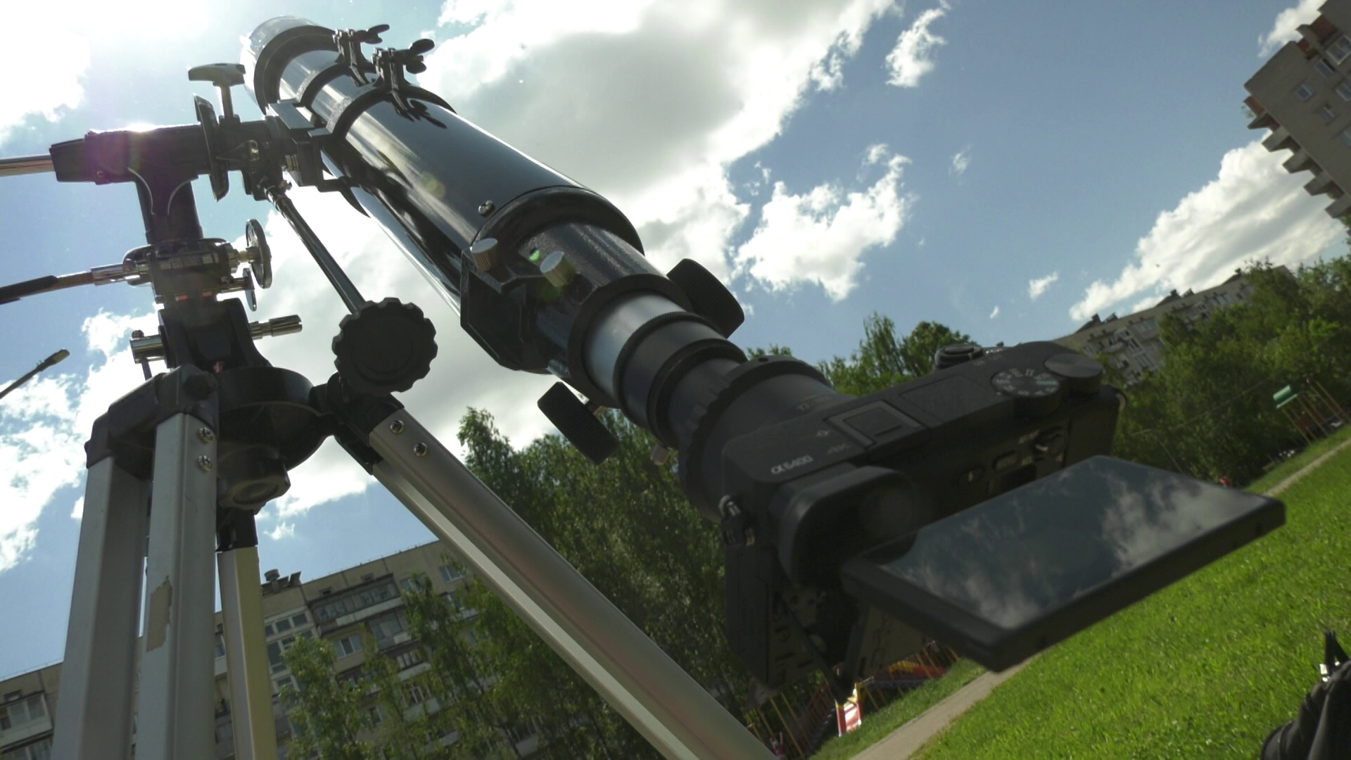 teleskop - В Витебске наблюдали за солнечным затмением (видео)